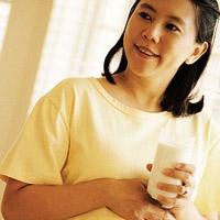 Bà bầu uống sữa thế nào cho hợp lý?