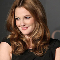 Drew Barrymore và những kiểu tóc cho gương mặt bầu bĩnh