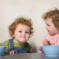 Giúp bé ăn ngon miệng: 1-2 tuổi