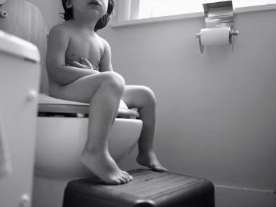 Cảnh giác với chứng táo bón ở trẻ nhỏ - 2