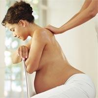 Giúp bà bầu giảm đau lưng