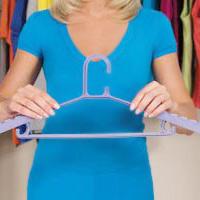 Tiện dụng với móc treo quần áo đa năng
