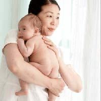 Video: hướng dẫn bồng bế trẻ sơ sinh