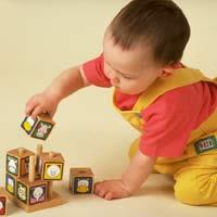 Chọn đồ chơi cho bé theo từng độ tuổi