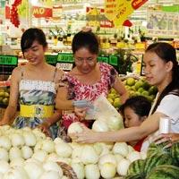 Siêu thị ở Hà Nội đua nhau tăng giá