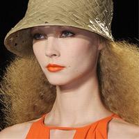 'Hé lộ' xu hướng thời trang tóc và trang điểm năm 2011