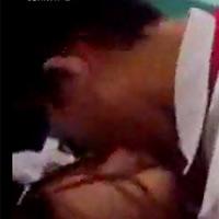 Cô giáo ra ngoài cho học sinh... hôn nhau