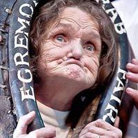 Người phụ nữ sở hữu khuôn mặt xấu nhất thế giới