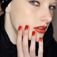 Những màu nail sống động