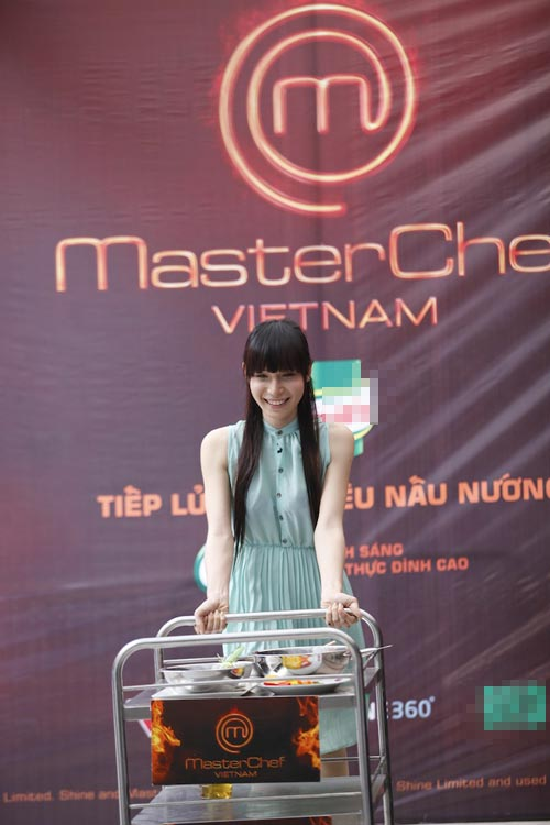 Hoa hậu đồng tính thi Masterchef Việt-1