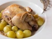 Bếp Eva - Đổi bữa với chim cút om rượu trắng, nho xanh