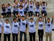 Hơn 300 sinh viên xếp hình 60+ chống biến đổi khí hậu