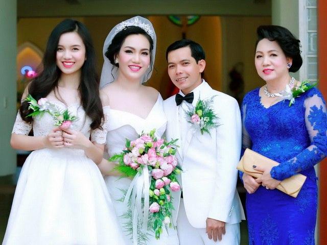 Vũ Hoàng Điệp vắng mặt trong đám cưới chị gái ruột