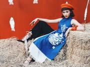Thời trang - Khả Ngân lạ lẫm và phá cách với áo dài denim