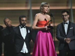 Grammy 2016: Taylor Swift lần 2 đoạt giải Album của năm