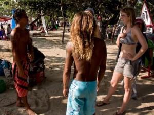 Điều nhức nhối ở thiên đường mại dâm nam Bali