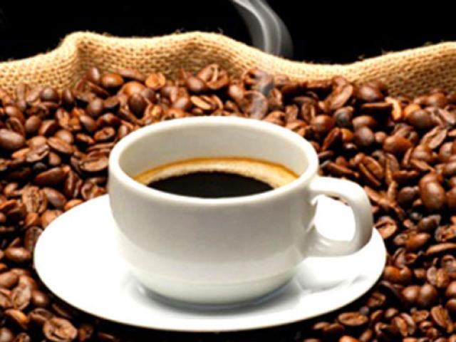 Hai tách cà phê mỗi ngày giúp giảm rối loạn cương dương