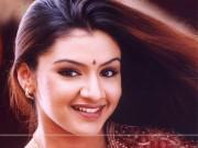 Giải trí - Người đẹp Ấn độ qua đời sau khi hút mỡ hỏng