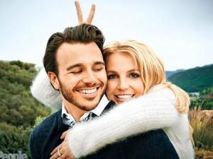 Britney Spears và Charlie chia tay sau 8 tháng hẹn hò