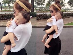 Đốn tim với ảnh bé Cadie ngủ gật trên vai mẹ Elly Trần
