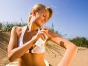 Sức khỏe - Nguy cơ ung thư vì kem chống nắng kết hợp nước rửa tay