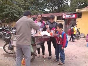TP. HCM: Cấm dùng thực phẩm bẩn chế biến thức ăn cho học sinh