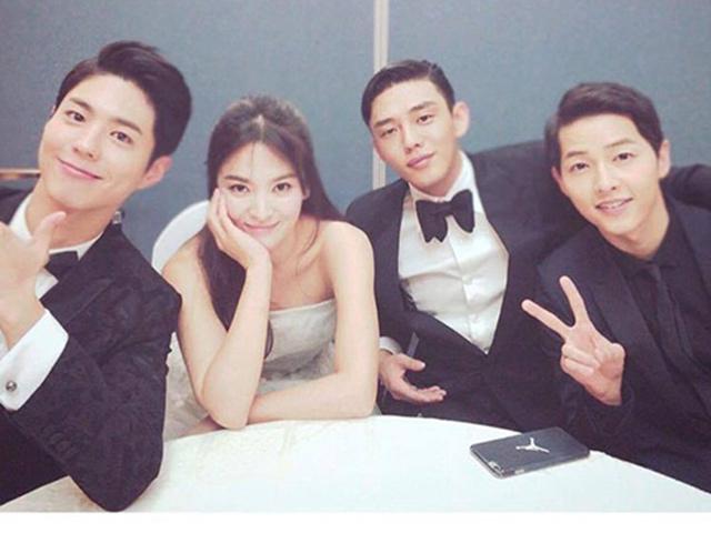 Ảnh hậu trường gây sốt của Song Joong Ki - Song Hye Kyo