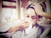 Bà bầu - Nằm điều hòa, mẹ bầu cẩn trọng với bệnh viêm họng