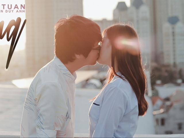 Bùi Anh Tuấn ngại ngùng với nụ hôn màn ảnh đầu đời