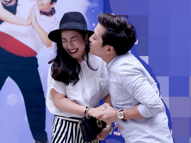Trường Giang hài hước cưỡng hôn Ốc Thanh Vân
