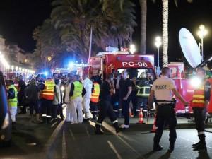Tấn công khủng bố đẫm máu ở Pháp, ít nhất 80 người thiệt mạng