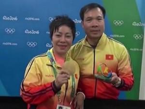 'Người đàn bà thép' sau tấm HCV Olympic: 'Vinh nói tấm huy chương này em dành tặng chị'