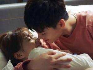 Hai thế giới tập 7: Náo loạn chuyện Lee Jong Suk đột ngột thông báo kết hôn