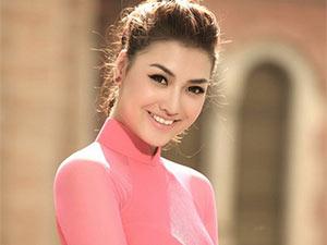 Nghi vấn người mẫu Hồng Quế thi Hoa hậu chui
