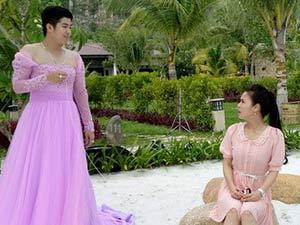 Chồng Nhật Kim Anh mặc váy cầu hôn vợ