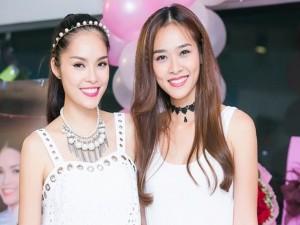 Diệp Bảo Ngọc mừng sinh nhật tuổi 33 của Dương Cẩm Lynh