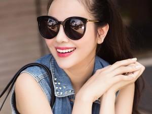 Diễn viên Sella Trương ngày càng trẻ trung, sành điệu
