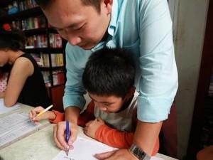 Tâm sự thầy giáo trong gia đình 3 đời dạy viết chữ đẹp