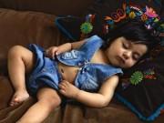 Mẹo ru trẻ vào giấc ngủ trong vòng 5 phút khi đặt vào nôi