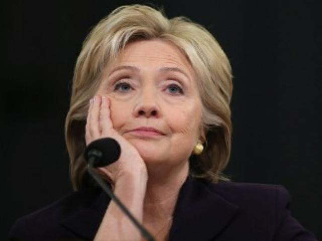 Trước khi ông Trump nhậm chức, bà Clinton vẫn còn cơ hội lật ngược kết quả