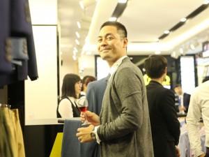 Giữa ồn ào từ thiện, MC Phan Anh vẫn tươi cười tới chúc mừng MC Việt Tú