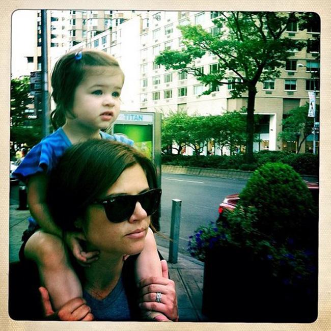2. Các nhóc tì nhỏ tuổi được yêu thích nhất Bé Harper Renn Smith, sinh năm 20120 - 'Trái ngọt tình yêu' của Tiffani Thiessen và chồng là Brady Smith.