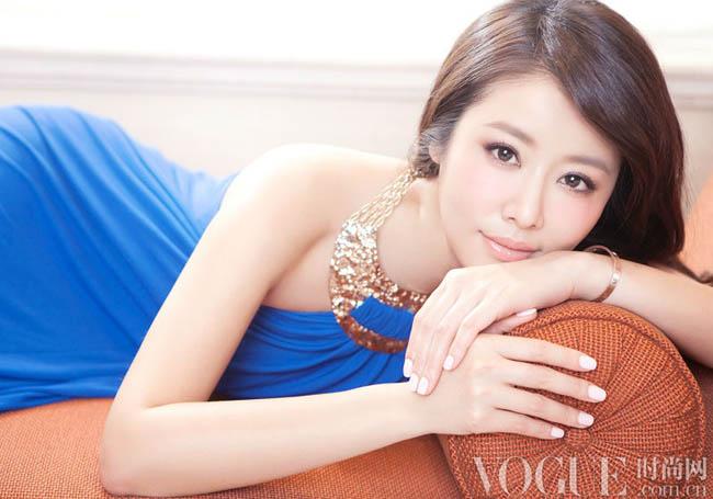 Xuất hiện trên trang bìa của tạp chí Vogue, Lâm Tâm Như khiến khán giả không khỏi ngỡ nàng vì nét thanh xuân của cô.