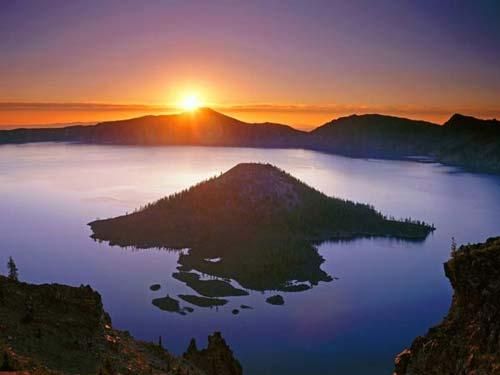 Top hồ nước Mỹ điểm du lịch nổi tiếng