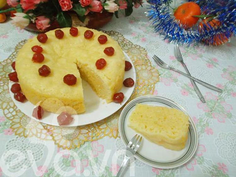 Bánh bò hấp là món bánh thường xuất hiện trong ngày Tết của người miền Nam. Bánh bò ngon thơm phức mùi bơ trứng khiến bạn nhâm nhi cả ngày không biết chán. Bánh cũng có nhiều loại. Bạn có thể tham khảo cách làm của bánh bò hấp tại đây.