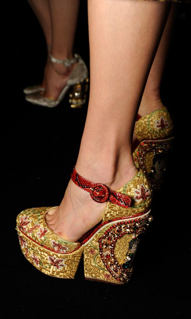 Dù bạn không phải là tín đồ của giày dép thì cũng không thể không 'chết lặng' vì những đôi giày trên cả tuyệt vời trong bộ sưu tập thu đông 2013 của Dolce & Gabbana.