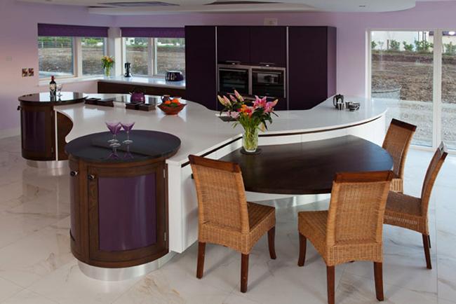Đừng coi thường không gian bếp, đây là một không gian rất quan trọng trong nhà. Và nếu bạn đầu tư để có được một căn bếp đẹp mỹ mãn, bạn sẽ cảm nhận được cảm hứng nấu ăn căng tràn.