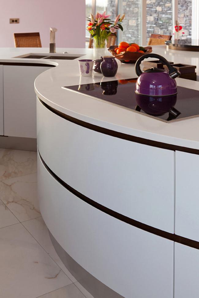 Bếp điện từ vừa sạch sẽ, vừa tiện lợi là sự lựa chọn mỹ mãn.