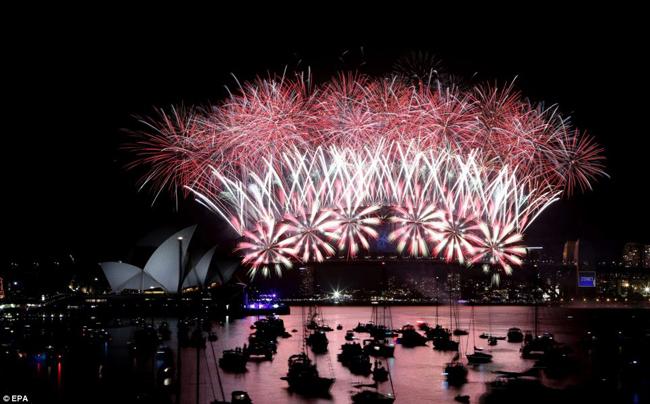 Hơn 1 triệu người dân đã có mặt để xem màn trình diễn.