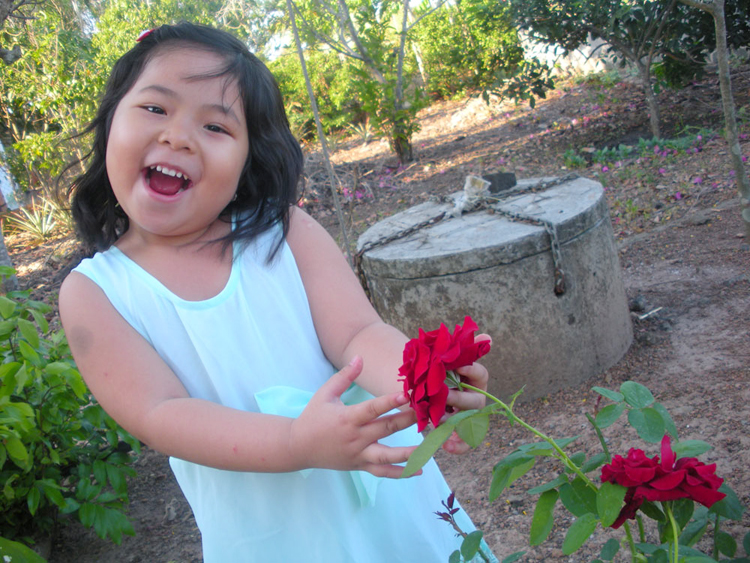 Chào tất cả các bạn trong ngôi nhà Thiên thần nhí. Mình là Nguyễn Phạm Quyên My. Hiện tại mình đã tròn 4 tuổi và đang bước sang tuổi thứ 5 rồi đấy.